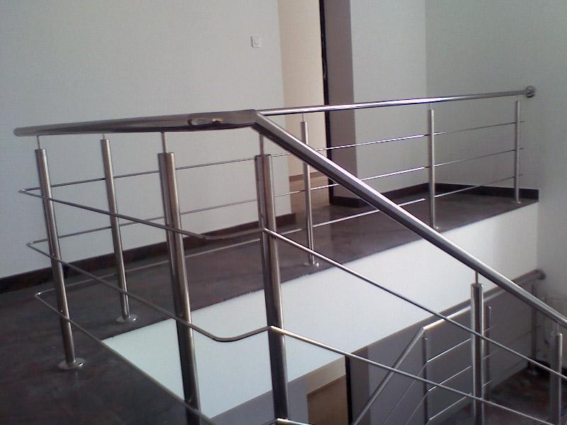 balustrade inox balustrade inox lemn. Black Bedroom Furniture Sets. Home Design Ideas